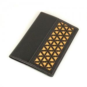 ミンコトドアパスポート財布